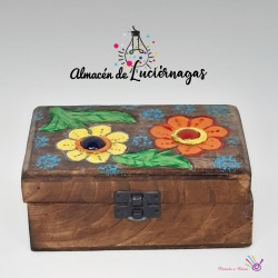 Caja joyero de madera decorada
